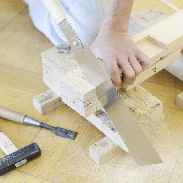 東海工業専門学校金山校 1日で大工道具を使いこなせる!大工コース!3