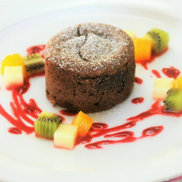 沖縄調理師専門学校 美味しいチョコレート菓子を作ってみよう!1