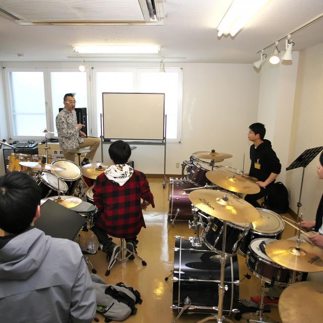 経専音楽放送芸術専門学校 プロから学ぶ!ミュージシャンレッスン+コピー3