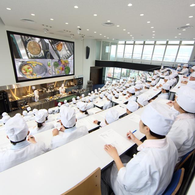 平岡栄養士専門学校 【調理もできる栄養士を目指す!】オープンキャンパス案内4