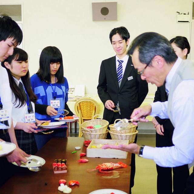 仙台YMCA国際ホテル製菓専門学校 オープンキャンパス-感動を届けるホテルの仕事を体験しよう!1