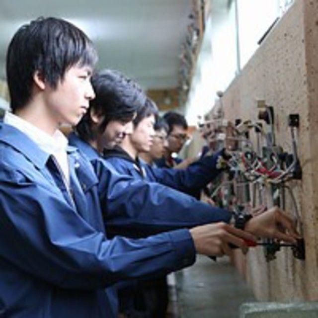 日本理工情報専門学校 ★電気工事士科:夜間1年 第二種電気工事士卒業時取得コース1