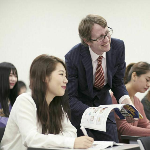 名古屋外語・ホテル・ブライダル専門学校 ネイティブスピーカーから生きた英語を学ぶ!~英語コース~1