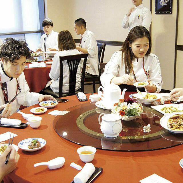 辻調理師専門学校 中国料理「レストラン・シミュレーション体験」1