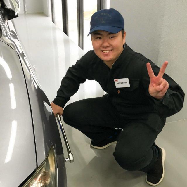 阪神自動車航空鉄道専門学校 自動車整備士なりきり!つなぎで整備実習3