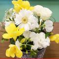 大阪ビジネスカレッジ専門学校 アレンジ体験~ブリキにお花を飾ろう~