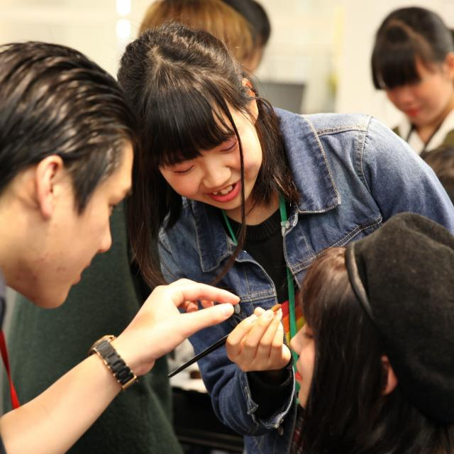 大阪ベルェベル美容専門学校 将来の夢を実際に体験してみよう!4