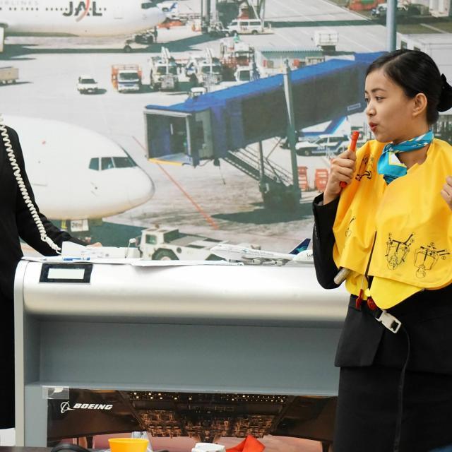国際トラベル・ホテル・ブライダル専門学校 シュミレーションフライト☆エアライン科☆オープンキャンパス2
