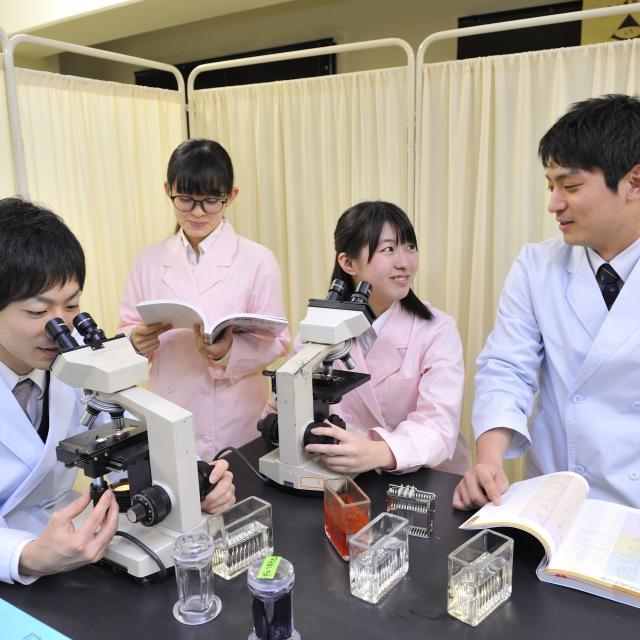 西武学園医学技術専門学校 オープンキャンパス(臨床検査技師科)3