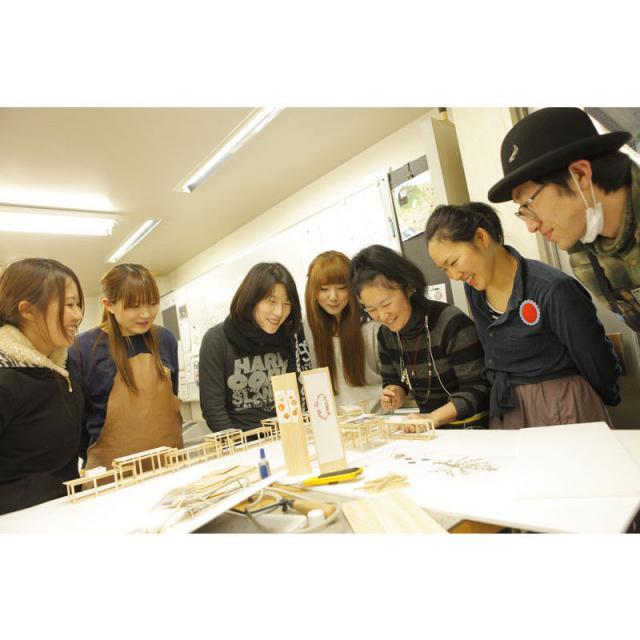専門学校ヒコ・みづのジュエリーカレッジ大阪:過去のオープンキャンパス(世界に1つのオリジナルアクセサリーを作る!)