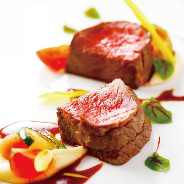大阪調理製菓専門学校 【ecole UMEDA開催】牛肉のステーキ1