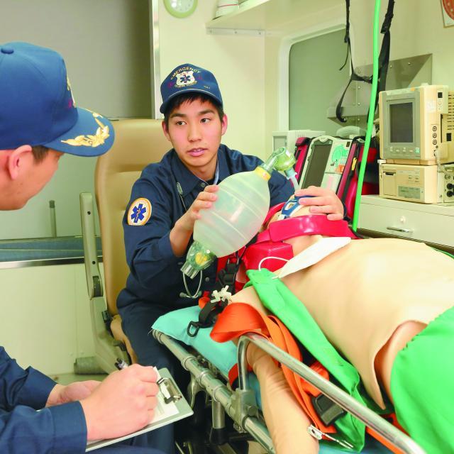 北海道ハイテクノロジー専門学校 救急救命士ならこんな対応をとります!血が出た場合編4