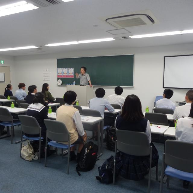 横浜医療専門学校 夜間学校説明会1