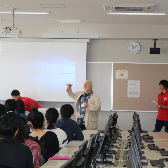 北海道文教大学 【国際言語学科】外国語を使うには、まず日本語から・・・?2