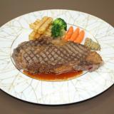 【フランス】牛ロースのステーキ・ピーチメルバ風アイスクリームの詳細