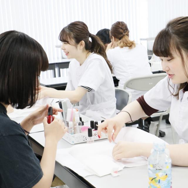 国際文化理容美容専門学校国分寺校 放課後体験入学会4
