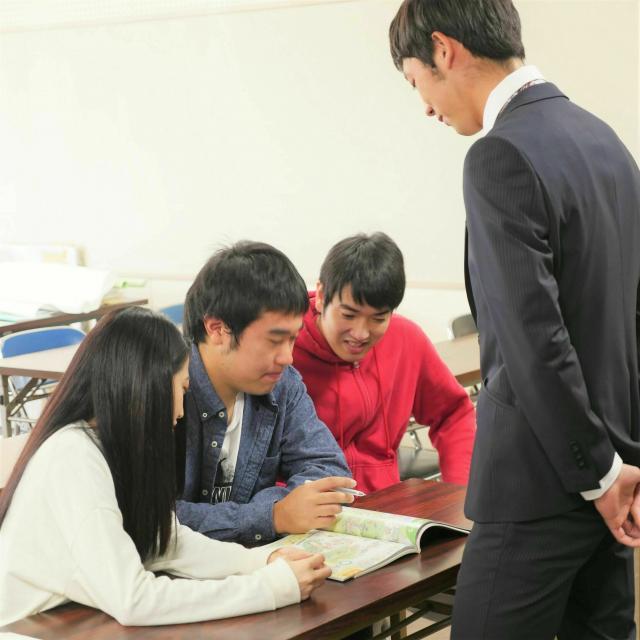 山口短期大学 【初等教育学専攻】絵本「からす たろう」から学ぶ先生の役割1