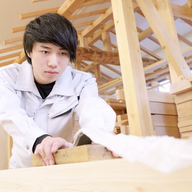 東海工業専門学校金山校 1日で大工道具を使いこなせる!大工コース!4