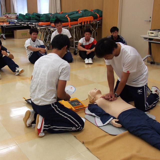 長野救命医療専門学校 2018年度オープンキャンパス開催!救急救命士の仕事体験4