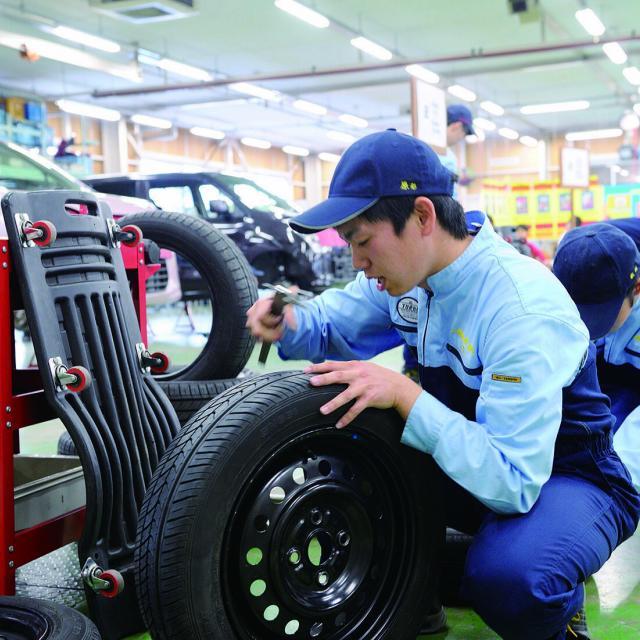 岡山科学技術専門学校 【二級自動車工学科】エンジンやブレーキの仕組が学べるイベント1