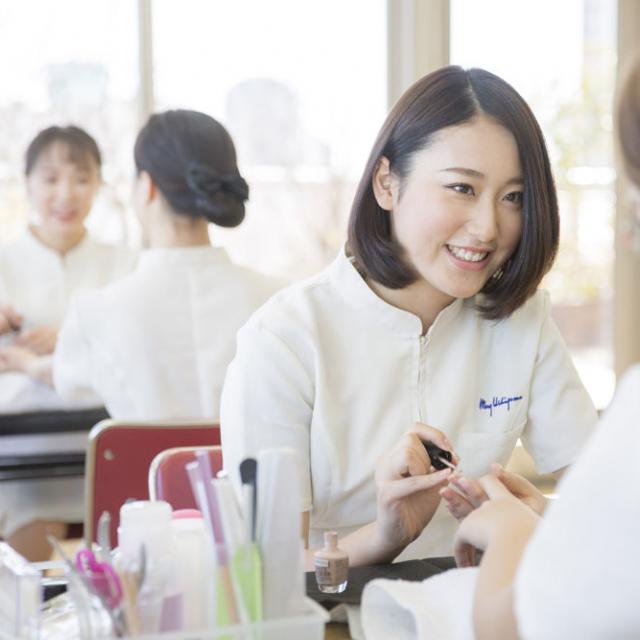 ハリウッド美容専門学校 個別相談会(オンライン)3