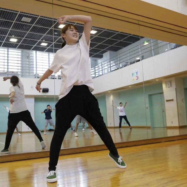 スポーツクラブでダンスプログラムを体験してみよう♪