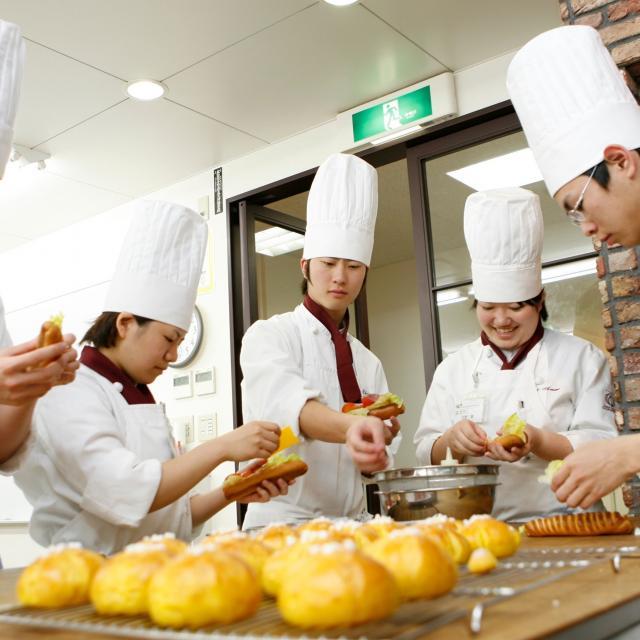 名古屋カフェ・パティシエ&調理専門学校 製パン体験! ★友達と一緒に参加OK★1