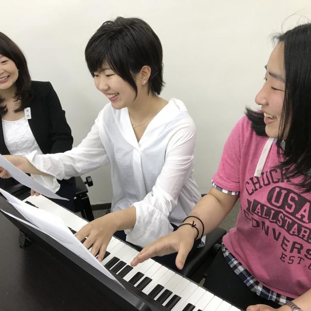 日本デザイン福祉専門学校 8/27(月)楽器作り& ピアノレッスン体験♪1