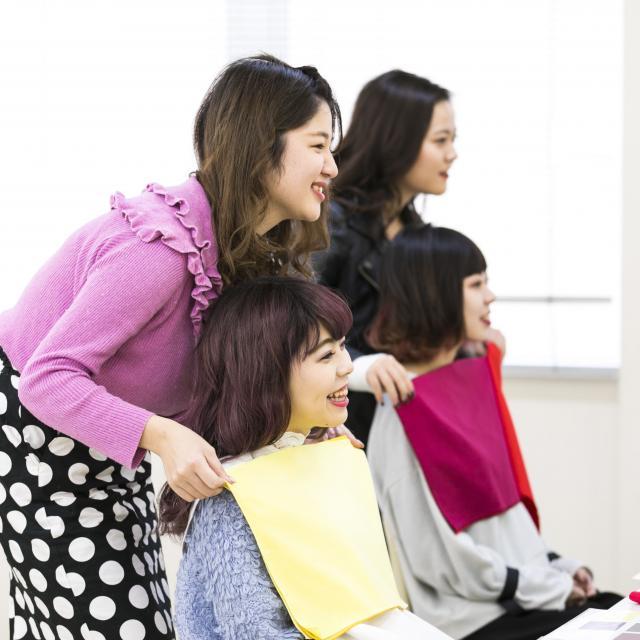 香蘭ファッションデザイン専門学校 ☆★☆パーソナルカラー診断★☆★1