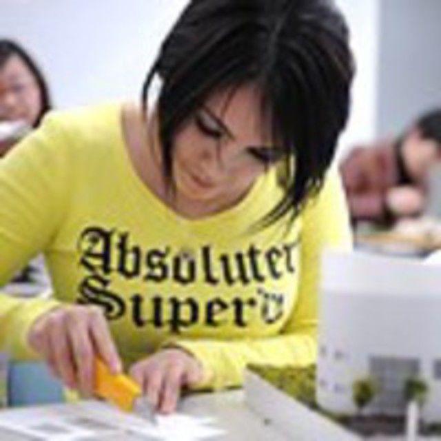 大阪建設専門学校 【建築・インテリア】建築模型の製作に挑戦2