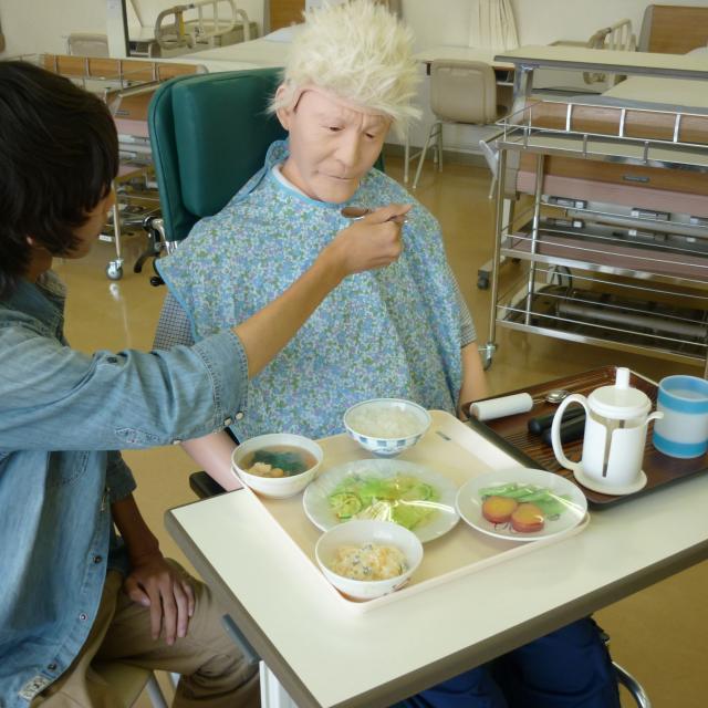 YIC看護福祉専門学校 【8/18(土)】介護福祉学科 食事介助体験!1