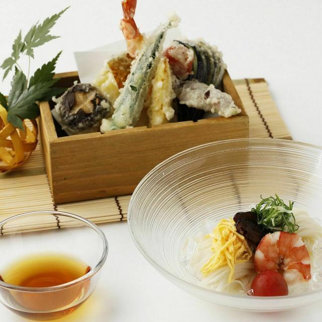 東京山手調理師専門学校 【日本料理】夏野菜の天ぷらとそうめん1