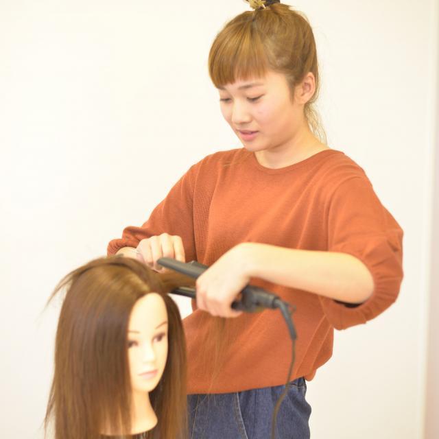 IBW美容専門学校 暑い夏こそ簡単ヘアアレンジで涼しく☆2