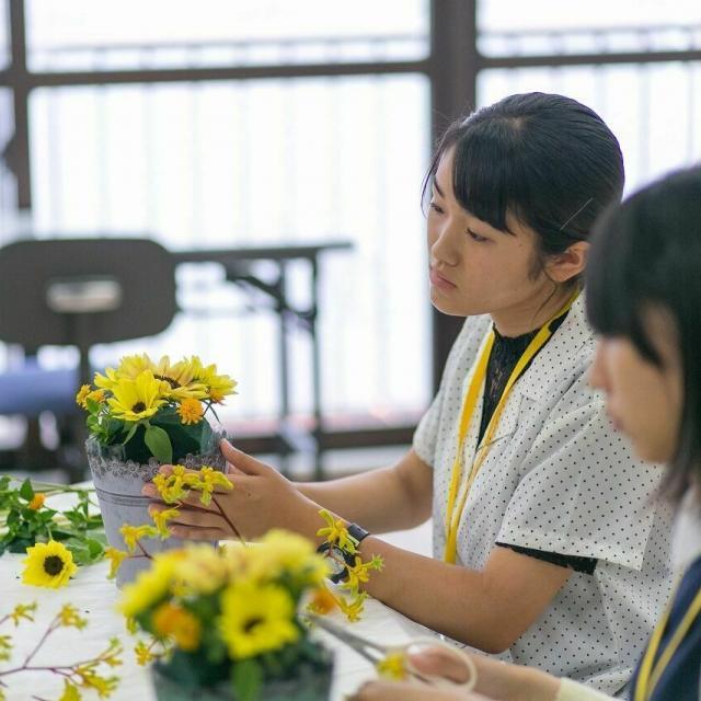 広島会計学院ビジネス専門学校 お友達や在学生と気になるコースを体験使用♪2
