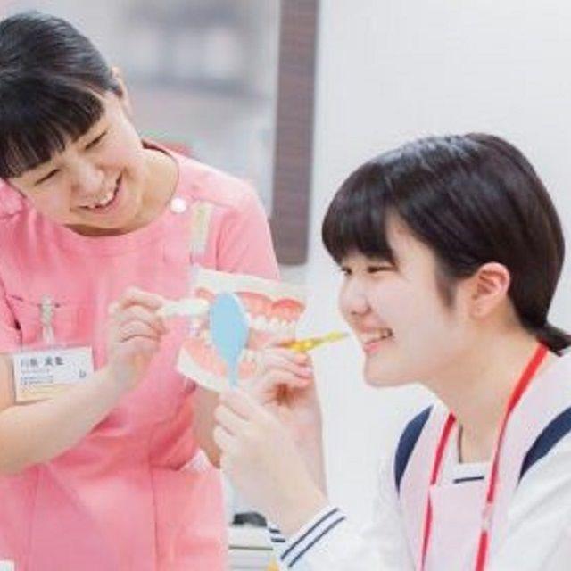 新東京歯科衛生士学校 「歯科保健指導論」の授業を体験~手作り歯磨き粉作製編~1