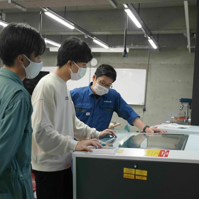 北海道ハイテクノロジー専門学校 最新実習室お披露目!3Dプリンターやレーザー加工機を体験!3