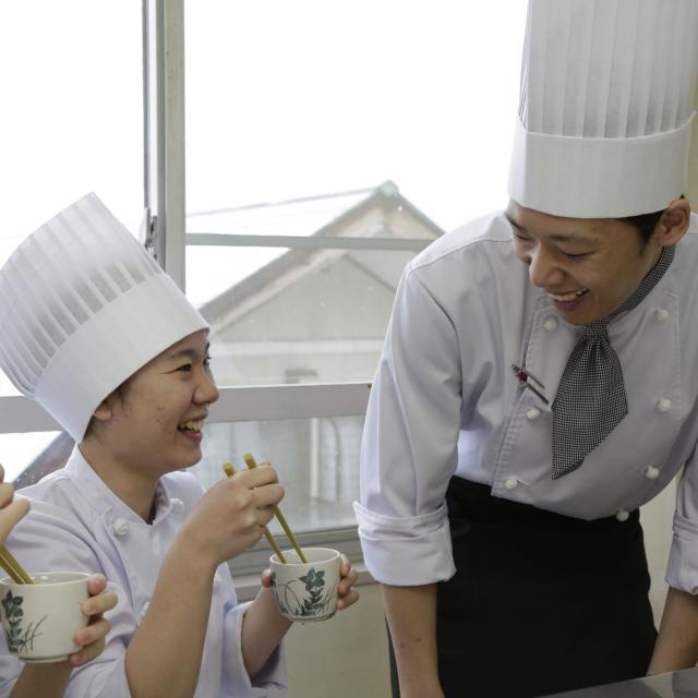 悠久山栄養調理専門学校 生地から作る中華点心 ~肉包子(肉入り饅頭)~1