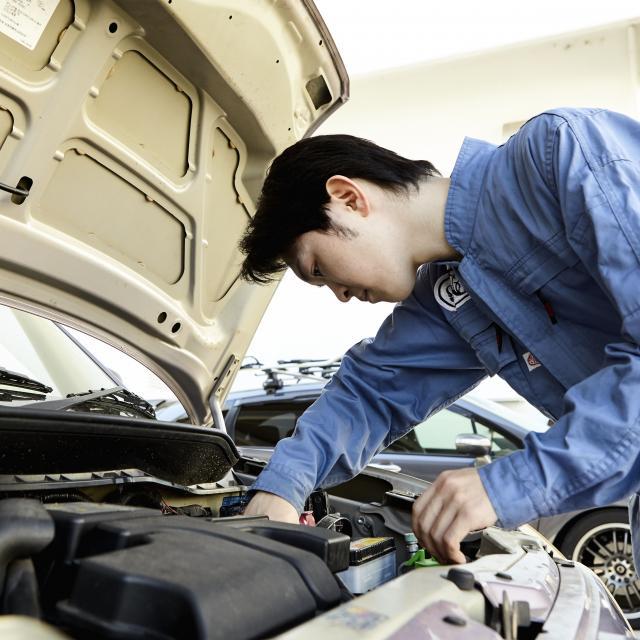 芦屋大学 【体験授業】自動車は「走る」「曲がる」「止まる」の三要素1