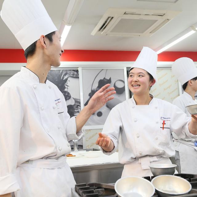 東京調理製菓専門学校 ポークカツレツ2