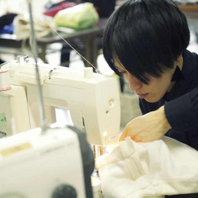 ファッション文化専門学校DOREME 職業用ミシンでスカート作り!服飾技術を学ぼう3