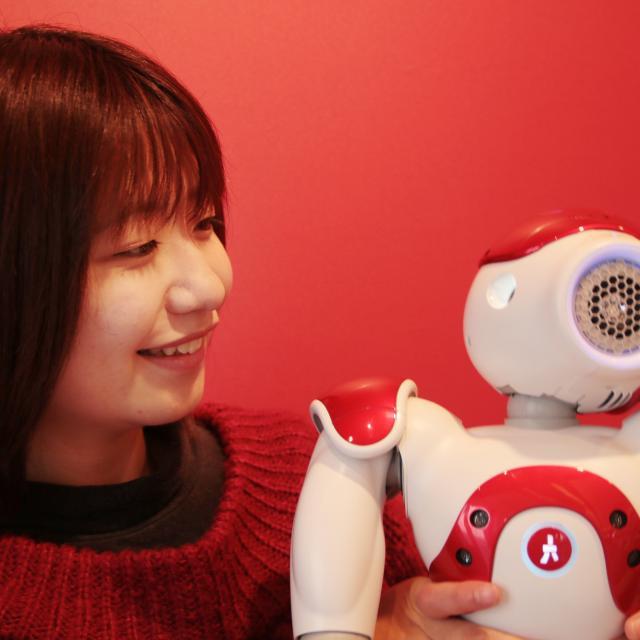 YICビジネスアート専門学校 6/2(日)【IT】人型ロボットNaoに画像を認識させよう!1