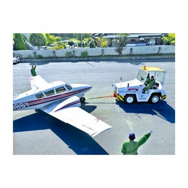 大阪航空専門学校 [ エアポート学科 ]グランドハンドリングを体験!1