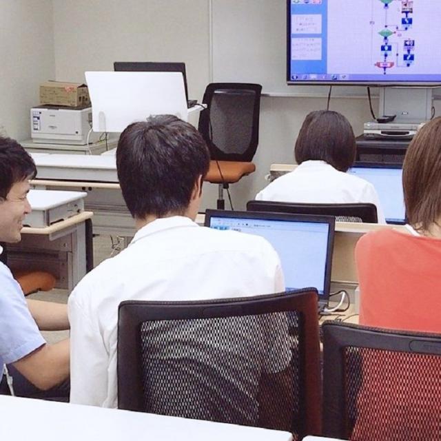 大原簿記情報専門学校福岡校 【情報処理】Scratch(スクラッチ)でゲームの作成体験!1