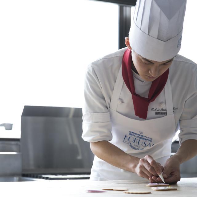国際製菓専門学校 スーパーデコ ナッペ2