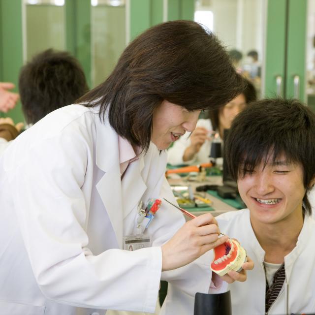 埼玉歯科技工士専門学校 個別対応で実技体験・質問!! 個別歯科技工体験+コピー4