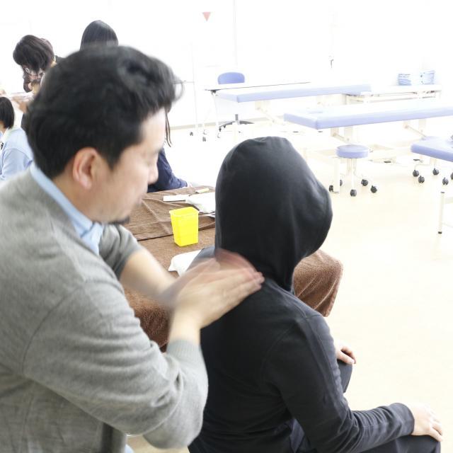 神奈川衛生学園専門学校 【東洋医療総合学科】夏バテ予防の温きゅうを体験しよう3