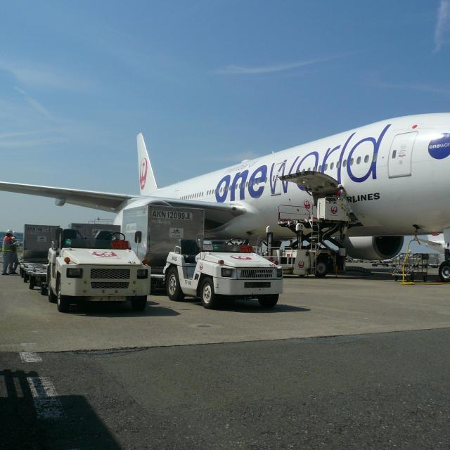 中日本航空専門学校 小松空港でCNAスクール開催決定!航空整備士の現場を見学!2