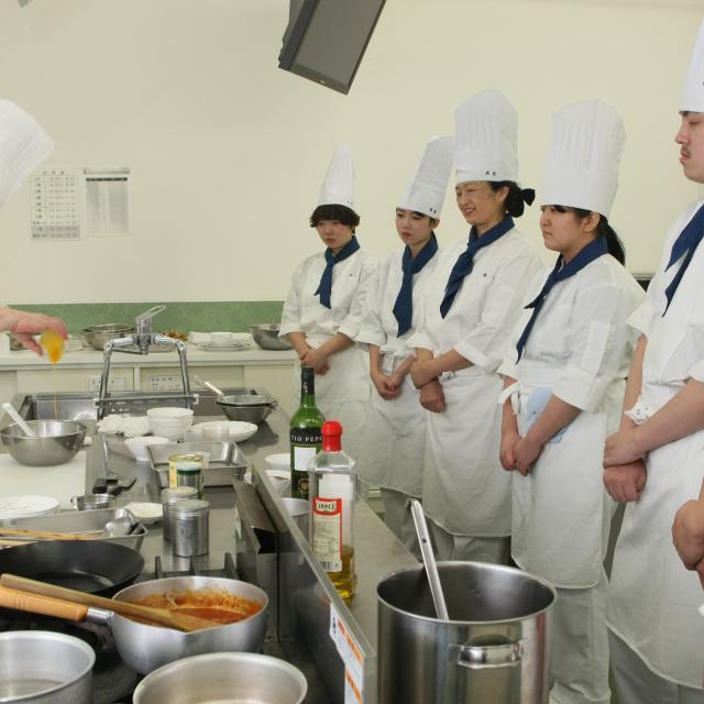 専門学校 国際調理フラワーカレッジ オープンキャンパス1