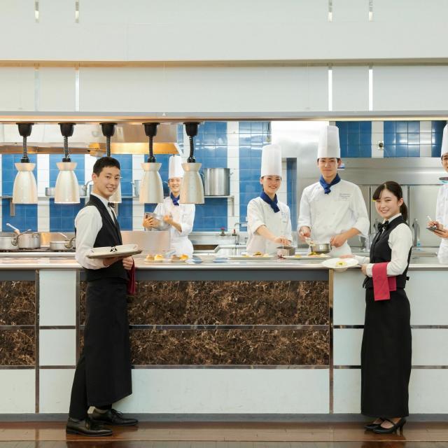 東京調理製菓専門学校 学生レストランでめしあがれ4
