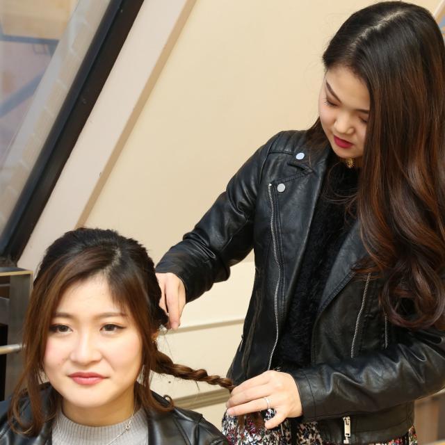 大阪ベルェベル美容専門学校 前下がりボブのカットや編みおろしのヘアアレンジを体験!2